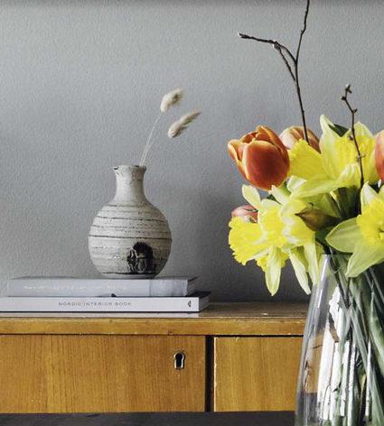 DIY: Rento kukka-asetelma pääsiäiseksi